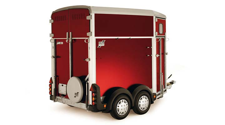 Red Ifor Williams Horsebox HB403